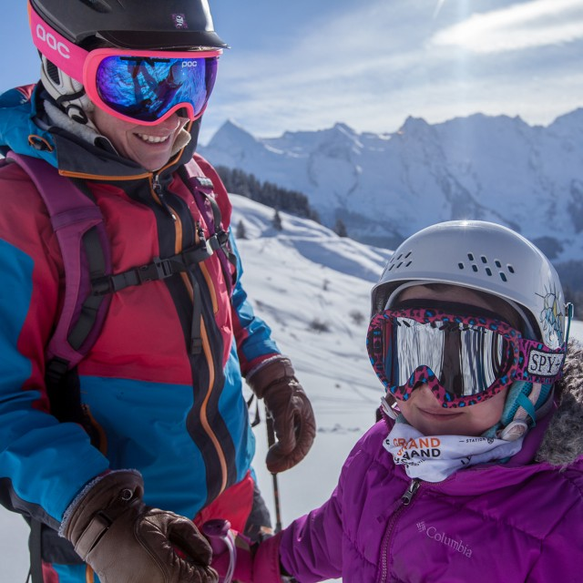 Ski insurance, security and rescue